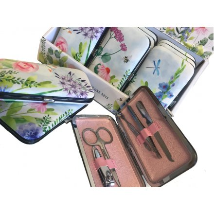 Add a hint of Spring to your pamper time with this beautiful assortment of Botanical themed manicure sets
