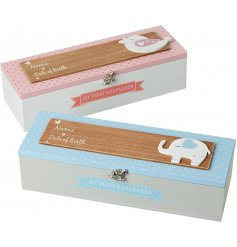 Hold onto your little ones keepsakes and memories with this charming assortment of wooden boxes