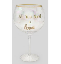 Part of the gorgeous 'Oh So Charming' Range, this beautifully decorated ballon glass will be sure to improve any gin