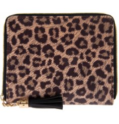 A stylish leopard print design wallet with plenty of handy storage compartments!