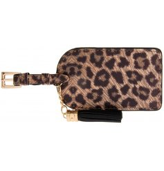 A luggage tag with leopard print from the Wild Side range
