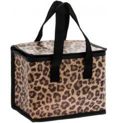 A trendy insulated lunch bag from the Wild Side range by Leonardo