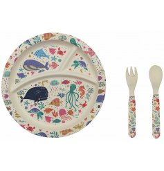 Little ones will love sitting down and eating dinner with the help of this colourful underwater themed bamboo set