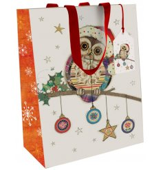 Part of the wonderful Bug Art range is this Festive Bauble Owl inspired gift bag, available in an assortment of sizes