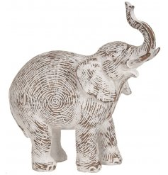 A gorgeously simple decorative accessory that will be sure to tie in with any home space,