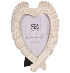 Showcase your most treasured photograph in this beautiful angel wing photo frame with a shabby chic finish.