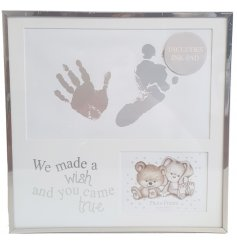 Printed with an adorable baby bear and rabbit illustrated decal,