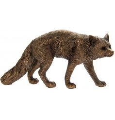Add a Country Charm inspired edge to any home space or display with this beautifully decorated Bronzed Fox Figure