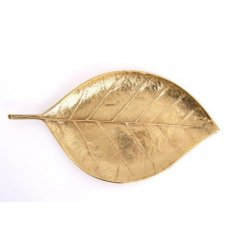 Perfect for any sideboard or table this decorated golden leaf plate will be sure to add compliments to any decor