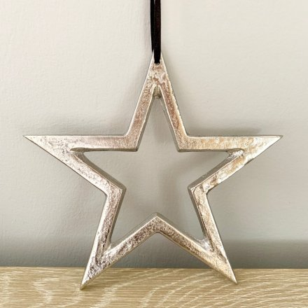A chic silver metal star hanger with a raw nickel finish.