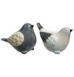 An assortment of 2 chic terracotta birds in grey and cream colours. An attractive garden accessory with a handmade look.