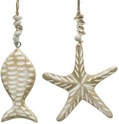 Bring a coastal feel to any home space with this assortment of fish and starfish shaped driftwood decorations