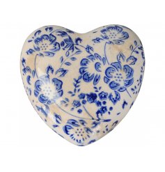 La Maison Chic. An effortlessly stylish heart shaped decoration with a blue and white floral design.