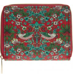 Made up of pretty reds and green tones, this stylish zip up wallet will be sure to add a vintage charm to any handbag