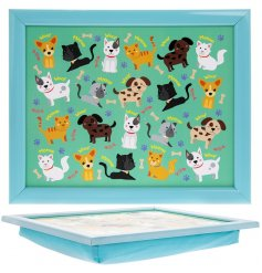 Covered with cute carton cats and dogs, this laptray will be perfect for any little one while eating