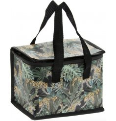A top trending Jaguar jungle design decorates this reusable insulated lunch bag.
