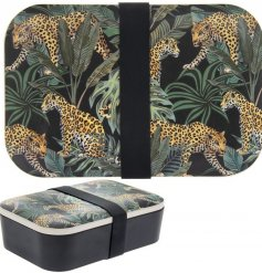 Covered with its Wild Jaguar Jungle inspired decal, this Lunch box will be sure to keep any lunch fresh on the go!