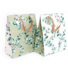 From the Eucalyptus range of giftware, this attractive gift bag measures approx 23 x 19 cm