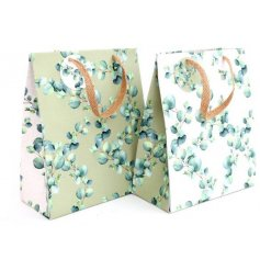 From the Eucalyptus range of giftware, this attractive gift bag measures approx 33 x 26 cm