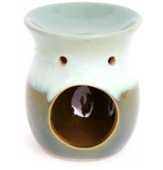 Two tone glazed green oil burner made from durable ceramic, approx 11 x 9 cm