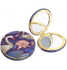 7.5 x 7 cm compact mirror in swan print design.