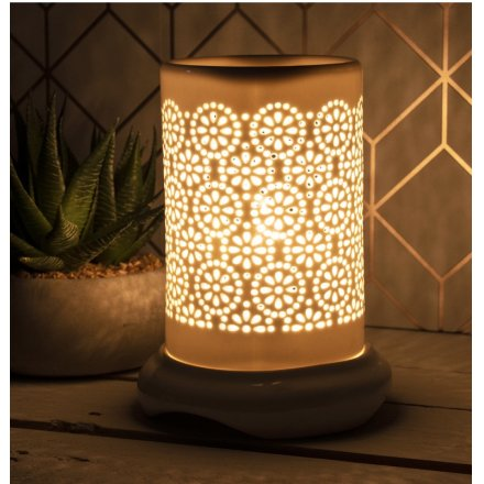 A gorgeously simple white toned Electric Wax Burner featuring a beautiful Floral Dot cut decal