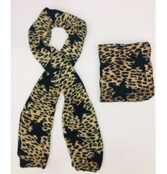 Modern soft crinkle scarf in fabulous Cheetah print contrasted with large black star motif.