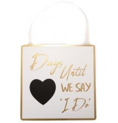 A chic wooden plaque with a 'days until I do' slogan. Complete with heart shaped chalkboard and hanger.