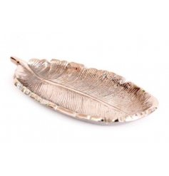 Aluminium silver coloured trinket dish shaped to resemble a feather. Measures approx 12.5 x 6 x 1 cm