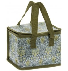 A stylish and practical lunch bag with a popular William Morris design.