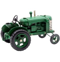 A fine quality vintage tractor model in green tone. A great collectable item by Leonardo.