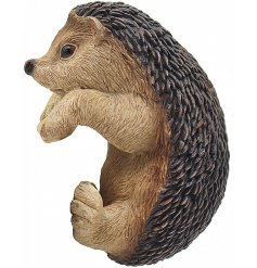 Add a cute touch to any plant pot with this adorable hedgehog decoration