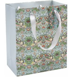 Coloured with a beautifully vibrant Teal tone, this Strawberry Thief Printed Gift bag is perfect for any gift giving occ