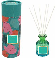 Part of the delightful Desire Range, this sweetly scented Reed Diffuser features a Luxe emerald green tone bottle
