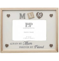 Sure to make any wonderful mother smile, this Sentiments Frame features a sweetly scripted text and decal