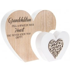 Bring a rustic natural touch to your home space with this trending heart plaque with added text quote