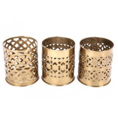 Sure to bring a Golden Luxe accent to any home space, this assortment of 3 individually designed candle pots