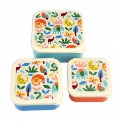 With a bold, bright and contemporary design you can snack in style. With the boxes in various sizes they conveniently st