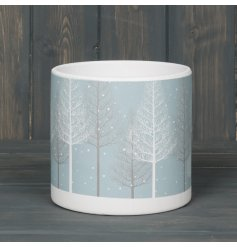 this large round pot will be sure to place perfectly in any home at christmas