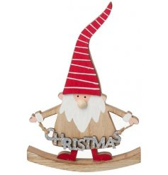 Complete with his high pointed hat, this fun and festive themed wooden gonk sign is perfect for Christmas