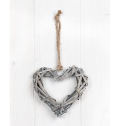 A must have rustic home essential. A classic rustic wicker heart with rope hanger.