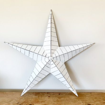 Make a statement with this vintage inspired white metal barn star with distressed ridges.