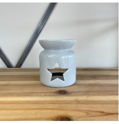 A chic ceramic oil burner in a classic grey colour. Complete with a star cut out detail.