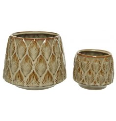 A set of 2 vintage inspired stoneware planters with a beautiful leaf design and brown colour flow glaze.