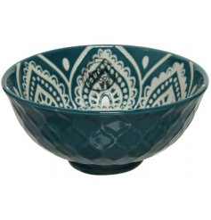 A beautiful Emerald green toned bowl featuring a delicate Mandala central print and diamond embossment around the edging