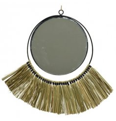 Stay on trend with this super stylish round mirror, complete with natural grass fringing and jute hanger.