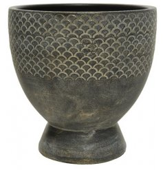 A chic and stylish terracotta planter. Handmade in Portugal and finished in the most beautiful dark brown and gold hues
