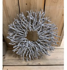 This wreath makes for a stunning artwork in the home or garden whatever time of year.