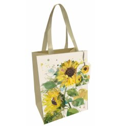 Part of the wonderful and whimsical world of BugArt, a charmingly printed giftbag with a vibrant colour