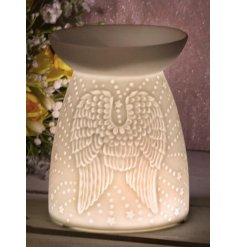 Set with its beautifully simple design, this ceramic based wax/oil burner features a charming embossed Angel Wing decal